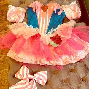 """Sugar & Spice Cupcake"" Halloween Costume"